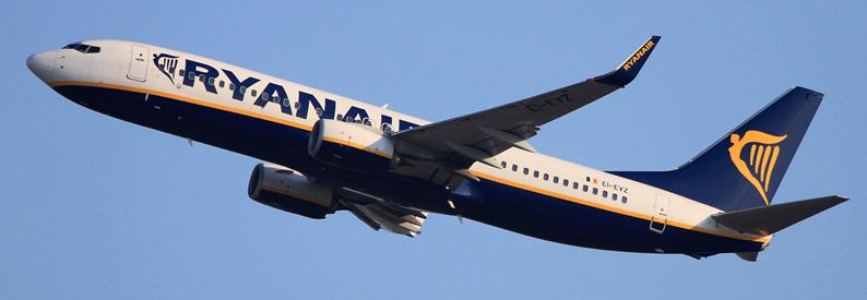 Flying for Ryanair barcelona paris orly