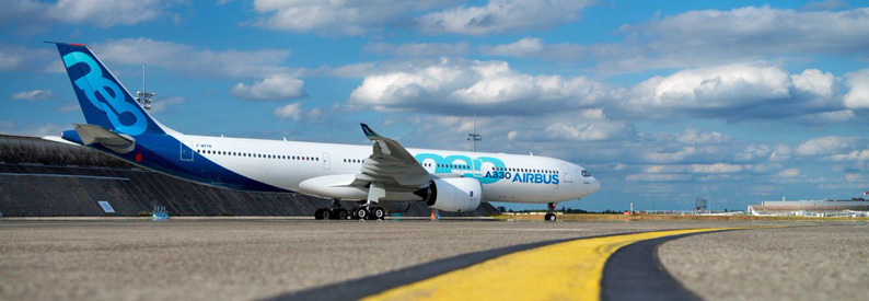 Airbus, Boeing extend production line suspensions